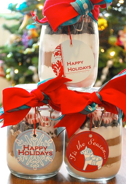 Christmas diy make christmas gift for your guests district griffin combine both white and dark chocolate red and white striped peppermint candies and christmas candies in clean glass jar add some confetti and glitter solutioingenieria Image collections